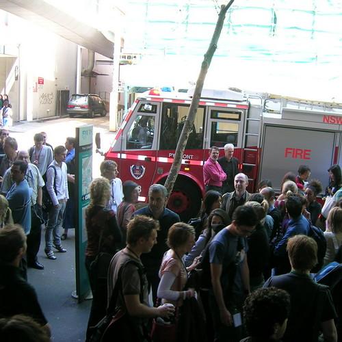 Próbna ewakuacja w zakładzie pracy - ćwiczenia przeciwpożarowe
